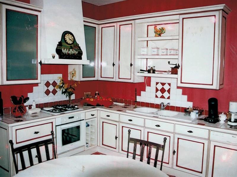 Modele De Cuisine En Bois Peint : : fabrication de cuisine sur mesure – L'atelier du Moulin Loy