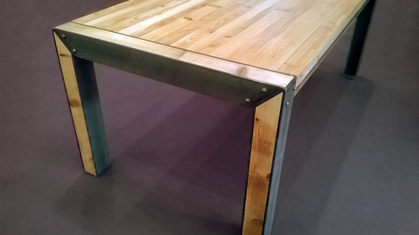 Menuisier b niste fabrication de mobilier en bois sur mesure l 39 atelier du moulin loy for Modele table a manger en bois